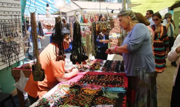 Alcaldesa Virginia Reginato inauguró 54ª Feria Internacional de Artesanía