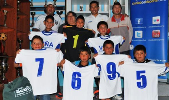 Municipalidad de Viña del Mar entrega indumentaria deportiva a dos clubes de la comuna