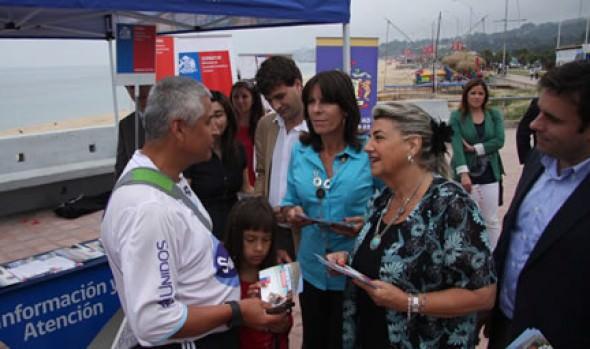 Alcaldesa Virginia Reginato destacó campaña para difundir los derechos de turistas en las vacaciones