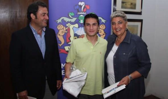 Alcaldesa Virginia Reginato recibió a alumnos beneficiados con pasantía para perfeccionar sus estudios de Gastronomía