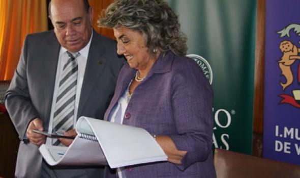 Alcaldesa Virginia Reginato valoró estudio que determina que los viñamarinos son felices