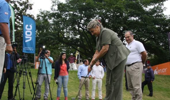 Alcaldesa Virginia Reginato destacó tradición del  Abierto de Golf en Granadilla