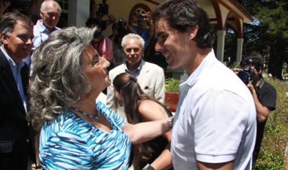 Alcaldesa Virginia Reginato le dio la bienvenida a Rafael Nadal a Viña del Mar