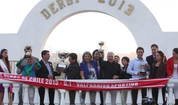 Alcaldesa Virginia Reginato calificó como la gran fiesta de Chile, jornada de  El Derby