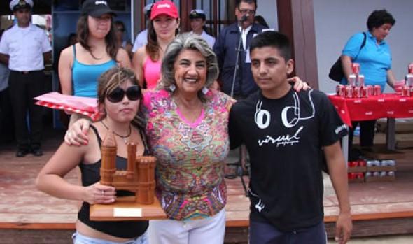 Alcaldesa Virginia Reginato premió los ganadores del 30° Concurso de Castillos de arena