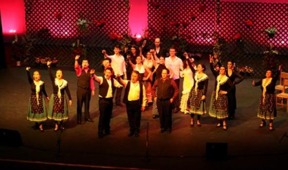 Alcaldesa Virginia Reginato invitó a disfrutar de espectáculo de zarzuela en Viña del Mar