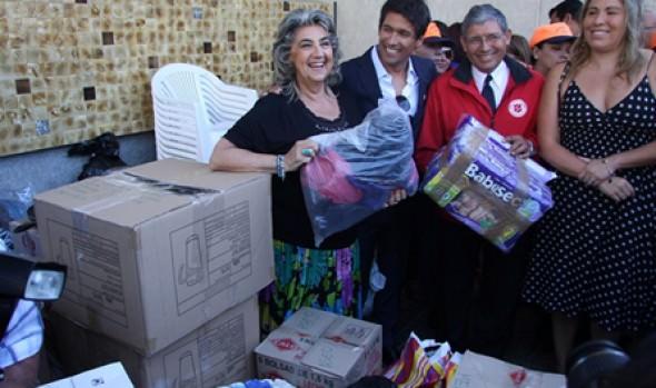 Alcaldesa Virginia Reginato y Rafael Araneda encabezaron show solidario para ayudar a damnificados por incendios en Valparaíso