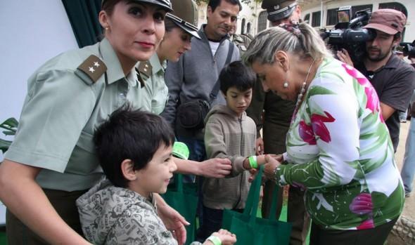 Alcaldesa Virginia Reginato destacó apertura de recintos policiales al interior de la Quinta Vergara
