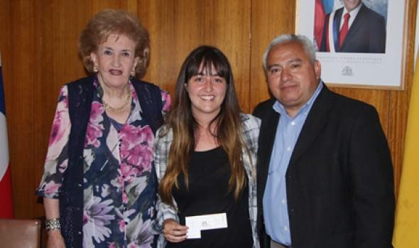 Municipalidad de Viña del Mar entregó premio  a ganadores de concurso fotográfico por Twitter