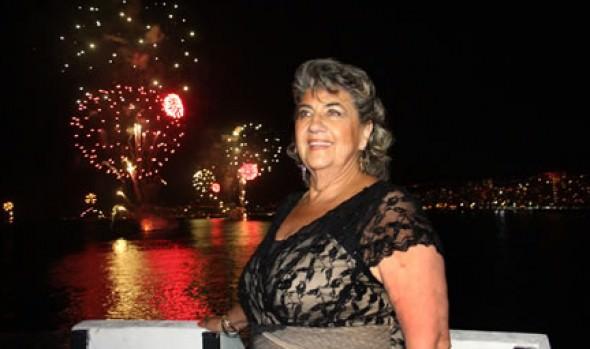 Feliz año nuevo deseó alcaldesa Virginia Reginato tras  espectáculo pirotécnico