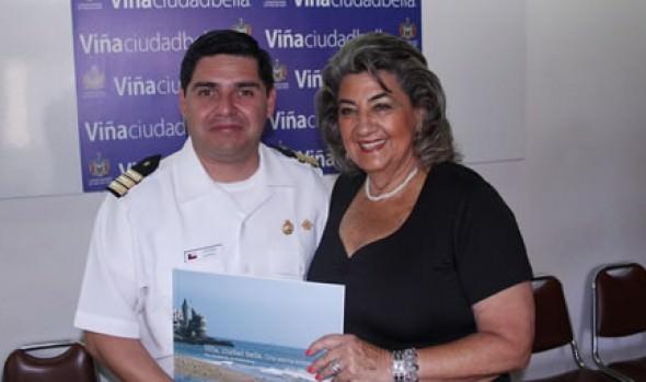 Capitán de Puerto recibió  agradecimientos de alcaldesa Virginia Reginato