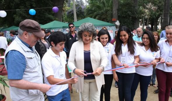 Primera Feria dedicada a la jardinería fue inaugurada por alcaldesa Virginia Reginato
