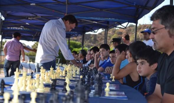 A nueva simultánea de ajedrez con GM Iván Morovic invita Municipalidad de Viña del Mar .