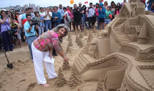Concursos de Castillos de arena organizadas por el Municipio de Viña del Mar se acerca a la gran final