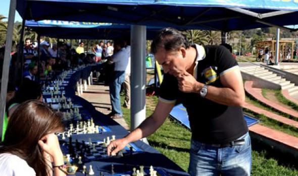 Más de 50 ajedrecistas participaron en 2ª simultánea con Iván Morovic  organizada por Municipalidad de Viña del Mar