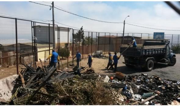 Municipio de Viña del Mar realizó operativo para obtención de carné de identidad a afectados por incendio de Forestal