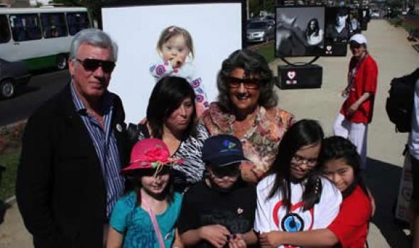Exposición fotográfica de niños con Síndrome de Down se desarrolla en Viña del Mar