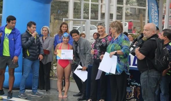 Con éxito alcaldesa y animador del Festival de Viña clausuraron tercer período del Programa  Actividades Acuáticas 2014