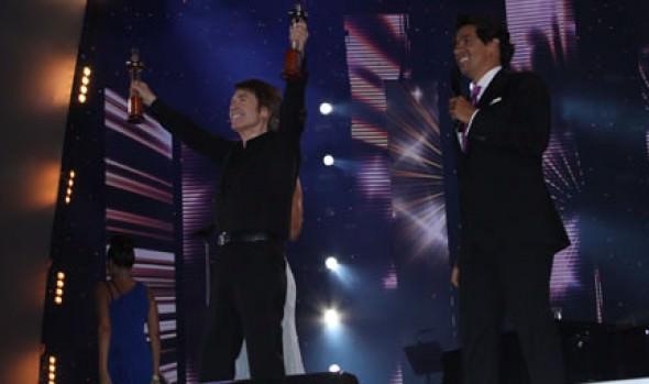 Ana Gabriel y Raphael, las  dos estrellas que brillaron en tercera noche de Festival