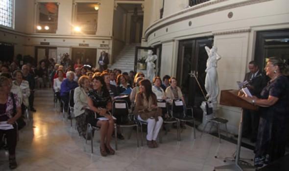 Fondos concursables del SENAMA fueron dados a conocer por alcaldesa Virginia Reginato a Adultos Mayores de Viña del Mar
