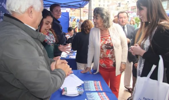 Consumidores y vecinos se informaron de sus derechos en feria organizada por el Sernac y Municipalidad de Viña del Mar