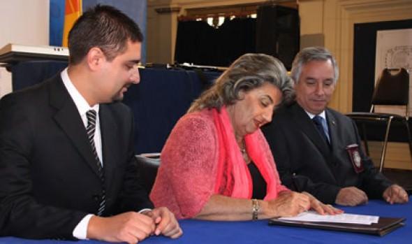 Municipalidad de Viña del Mar, PDI y Senama firman acuerdo para programa de prevención del abuso sexual y maltrato infantil