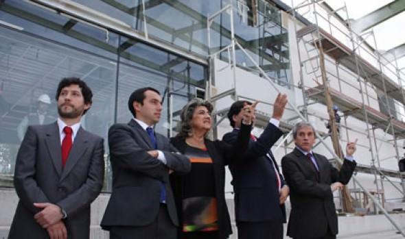 Autoridades se comprometen ante alcaldesa Virginia Reginato a que obras de estadio Sausalito concluirán a fin de año