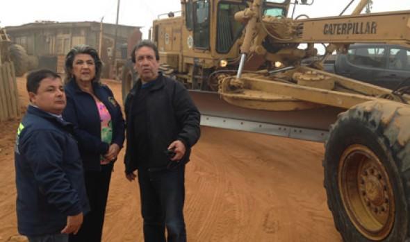 Municipio de Viña del Mar aporta camiones,  maquinaria pesada y funcionarios para retiro de escombros