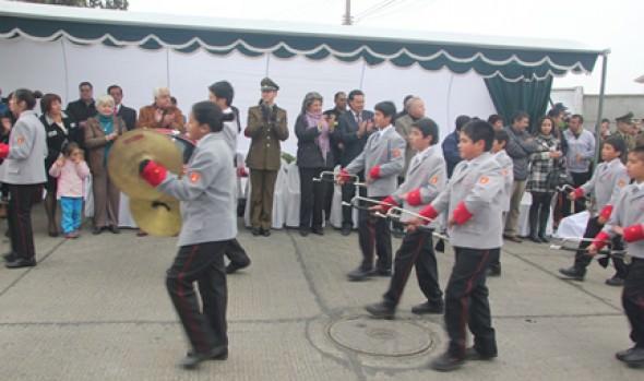 Homenaje a Carabineros en su 87º aniversario en Reñaca Alto fue encabezado por la alcaldesa Virginia Reginato