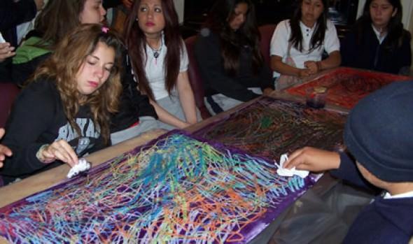 Nuevos y entretenidos talleres de arte ofrece Municipio de Viña del Mar para niños de educación básica