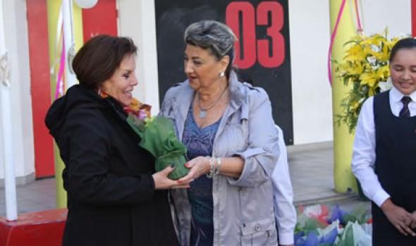 Escuela República del Ecuador celebró 137 años en ceremonia encabezada por alcaldesa Virginia Reginato
