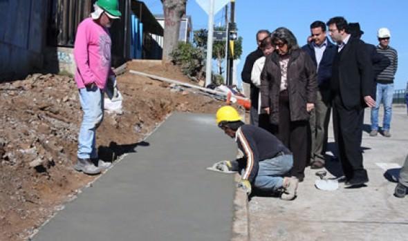 Etapa final del mejoramiento del circuito 21 Poniente de G. Carreño fue inspeccionado por alcaldesa Virginia Reginato