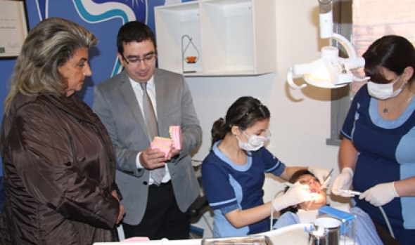Más de 2 mil viñamarinos serán beneficiados con nuevo convenio dental suscrito por la Municipalidad de Viña del Mar