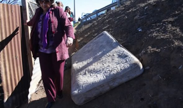 Limpieza de quebrada en cuenca Los Abetos fue fiscalizada por alcaldesa Virginia Reginato
