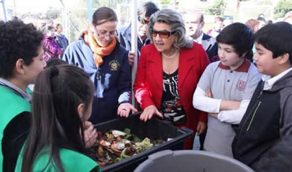 Con interesante proyecto escolar de lombricultura alcaldesa Virginia Reginato celebró Día Mundial del Medio Ambiente