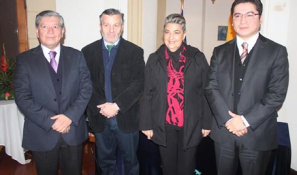 Reedición de Juegos Florales y poéticos fueron  dados a conocer por alcaldesa Virginia Reginato