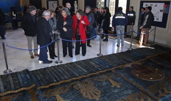 Cenefa restaurada del Teatro Municipal fue recepcionada por alcaldesa Virginia Reginato