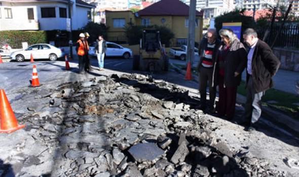 El inicio a recarpeteo en calle Diego Portales de Recreo encabezó alcaldesa Virginia Reginato