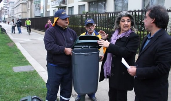 Municipio de Viña del Mar  inició reposición de papeleros en la vía pública