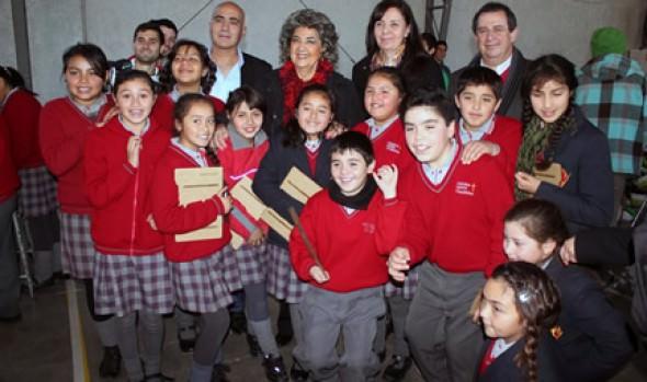 Novedosa feria tecnológica realizada en escuela viñamarina fue valorada por alcaldesa Virginia Reginato