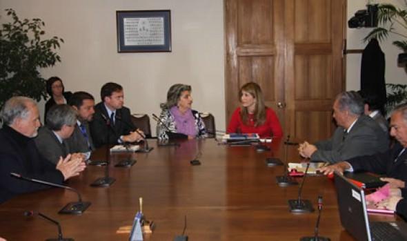 Fructífera reunión sostuvieron alcaldes de comunas con Casinos Municipales con ministra Ximena Rincón
