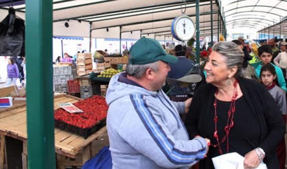 Locatarios del rubro bazar de Feria Caupolicán, con apoyo de la Municipalidad de Viña del Mar ganan fondos para mejorar puestos