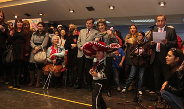 Cariñosos saludos de comunidad viñamarina recibió alcaldesa Virginia Reginato por su cumpleaños