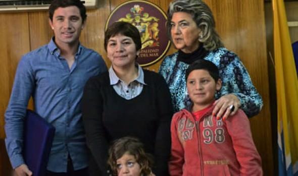 Lateral de la Selección, Eugenio Mena, fue declarado Hijo Ilustre de Viña del Mar por alcaldesa Virginia Reginato