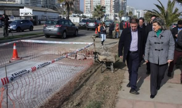 Municipalidad de Viña del Mar repara más de 1000 metros cuadrados de calzada en Av. Jorge Montt