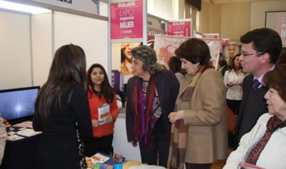 """Nueva versión de """"Expo espacio mujer"""" fue inaugurada por alcaldesa Virginia Reginato"""