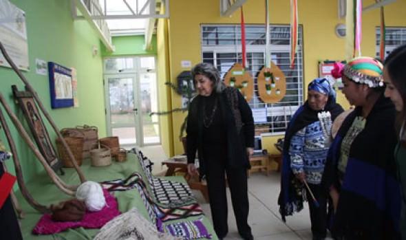 Proyecto intercultural con pueblos originarios para jardines infantiles visitó  alcaldesa Virginia Reginato