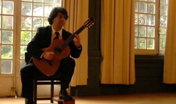 Municipalidad de Viña del Mar invita a concierto de guitarrista Pablo Palacios