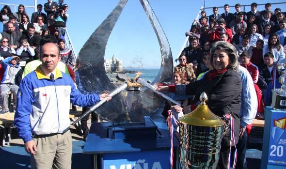 Llama de la X Olimpiada Escolar y V Interempresas  y Servicios Públicos encendió la alcaldesa Virginia Reginato