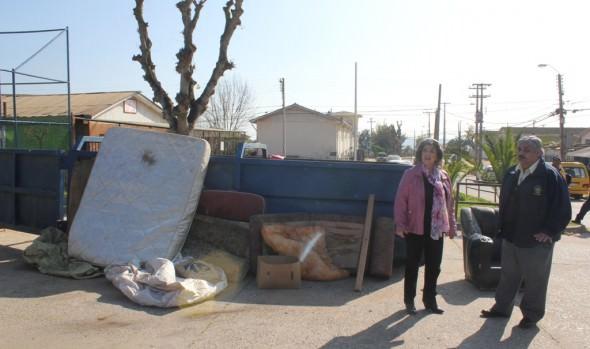 Municipalidad de Viña del Mar realizó nuevo operativo de retiro de desechos voluminosos
